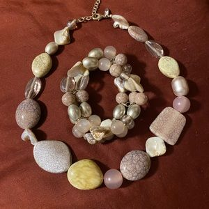 Beaded necklace with bracelet